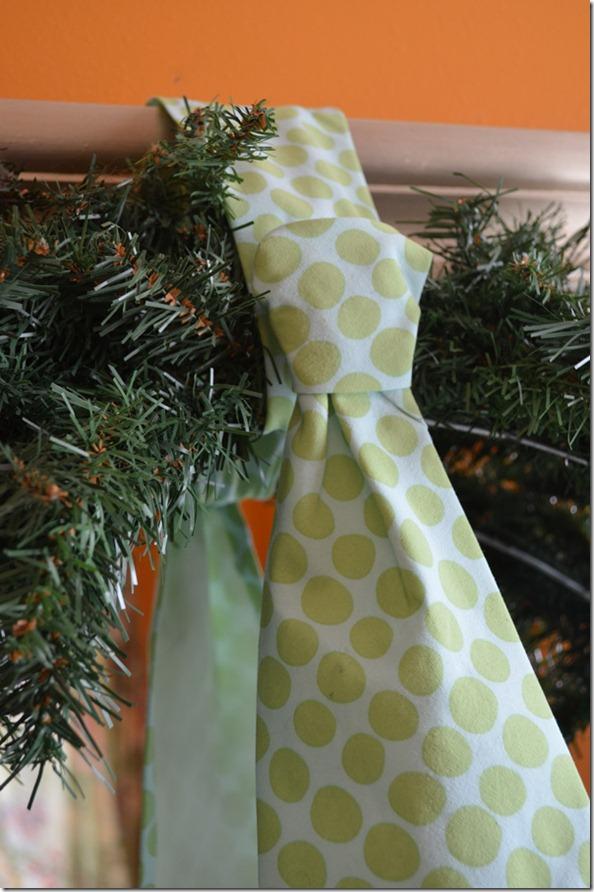 Tie Knot on Wreath