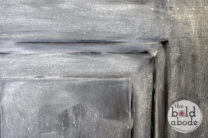 close-up-of-priming-the-door