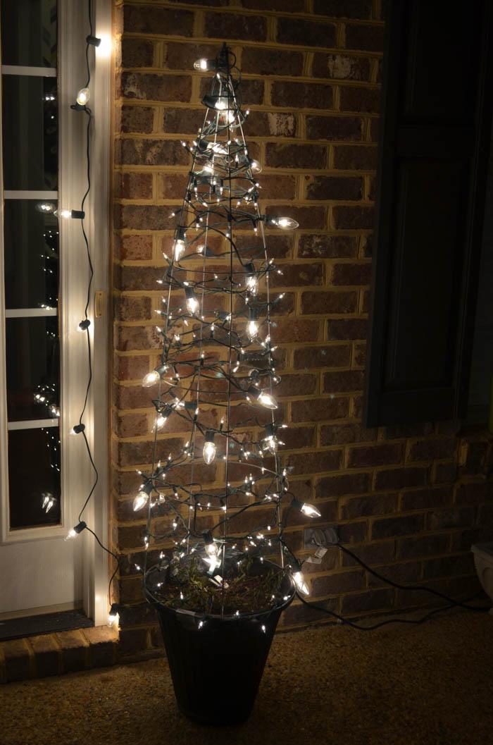Tomato Cage Christmas Tree.Tomato Cage Christmas Tree The Bold Abode