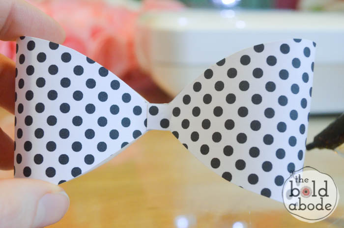 Make the CUTEST Valentines Ever with this Super Cute Valentine Bow Printable!