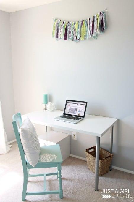 Desk-Area-453x680