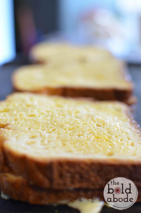 strawberry cream cheese stuffed french toast-3