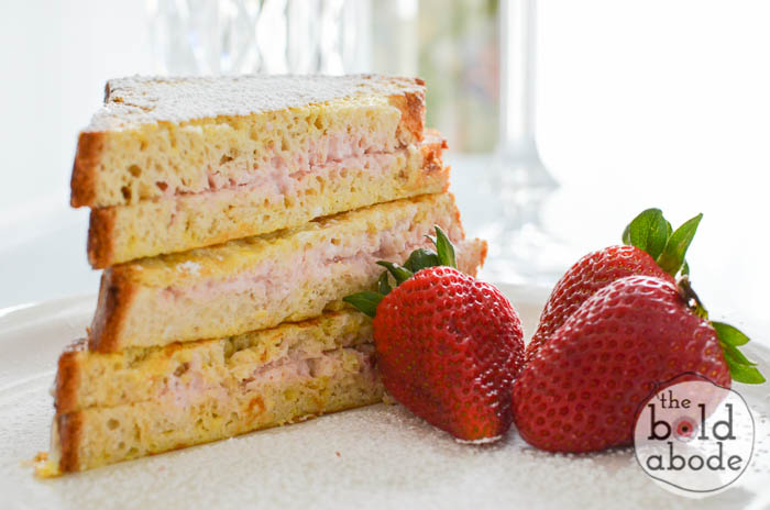 strawberry cream cheese stuffed french toast-9