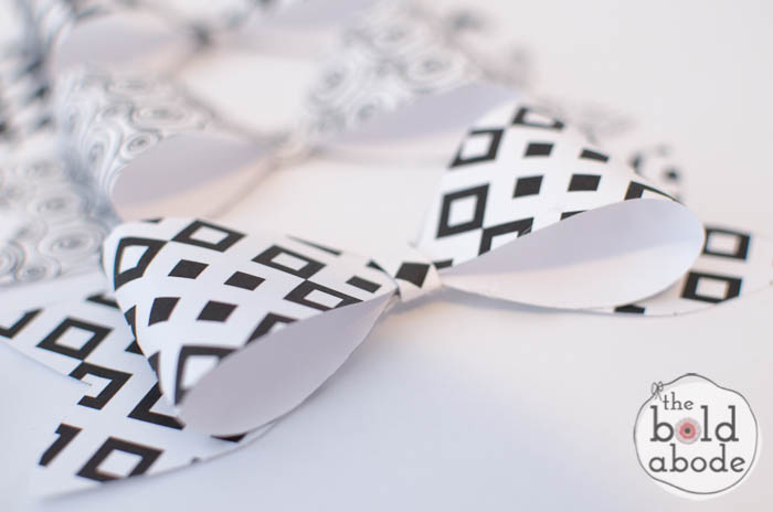 Super Cute Black and White Bows-2