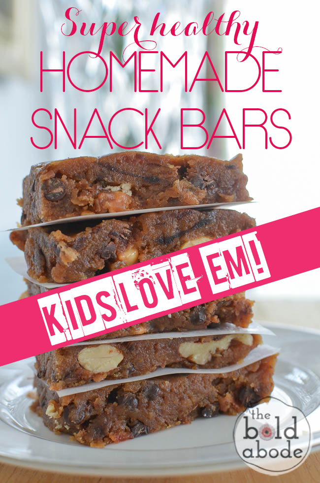 """These Super Healthy Homemade Snack bars are chocolatey, nutty and ADDICTIVE! Bonus: KIDS LOVE """"EM."""