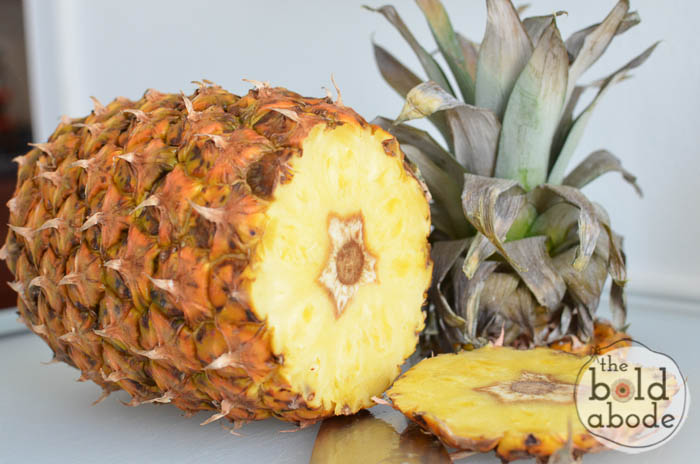 how to cube a pineapple