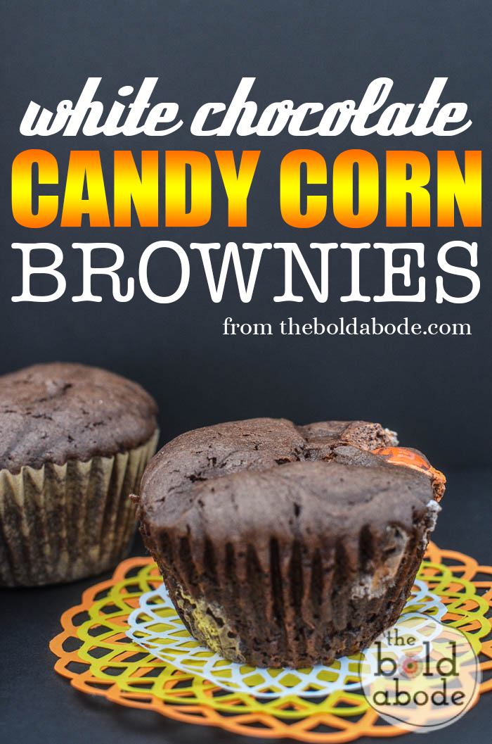 White Chocolate Candy Corn Brownies are an amazingly easy fall treat to make for your family or to take to a fall party.  YUM.