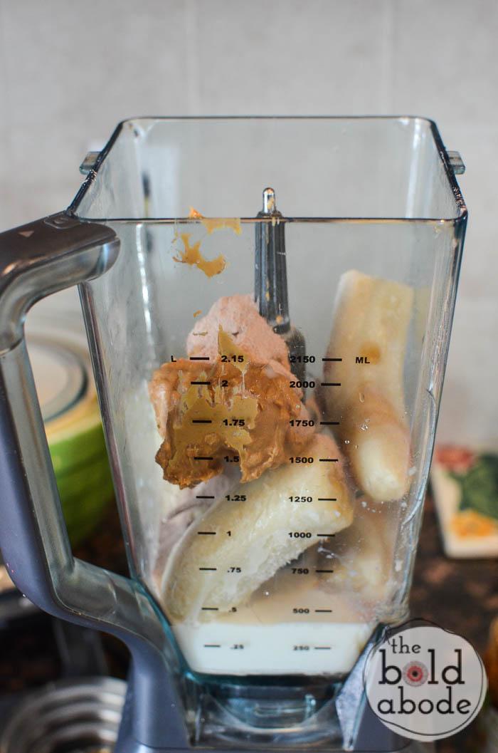 hot cocoa breakfast shake-4