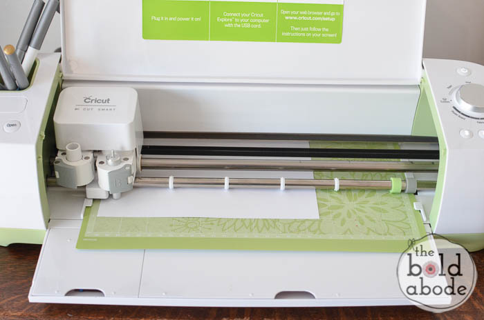 cutting with the cricut
