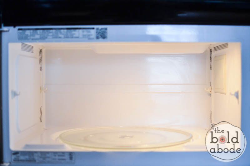 how to clean smelly microwave