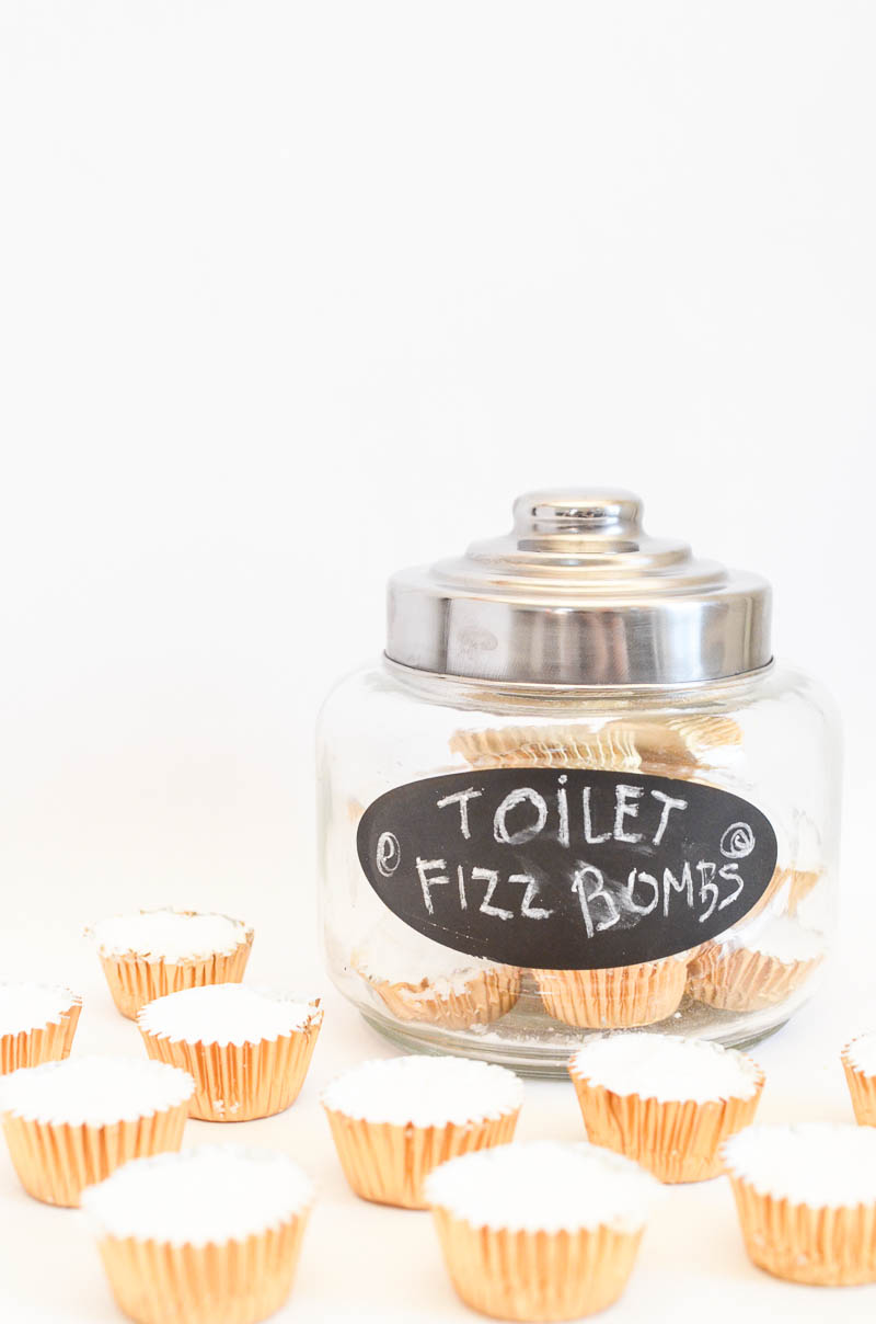 freshen a stinky toilet naturally-16
