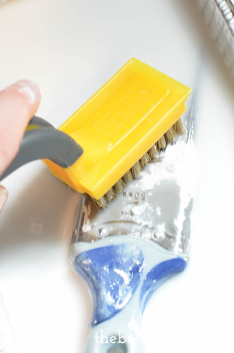 how to clean a paintbrush-10