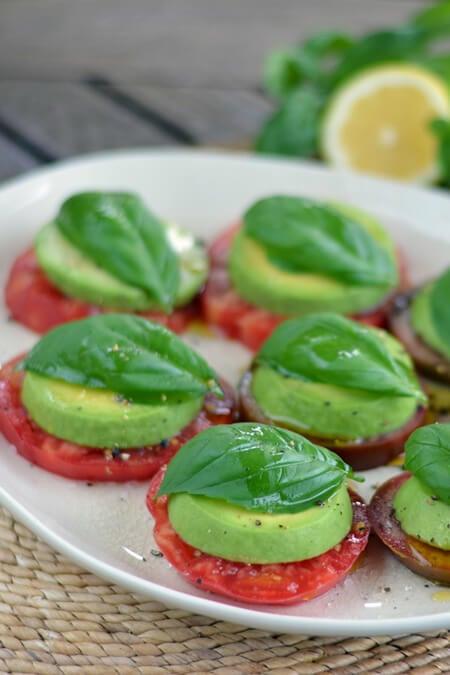 tomato-avocado-salad450x675