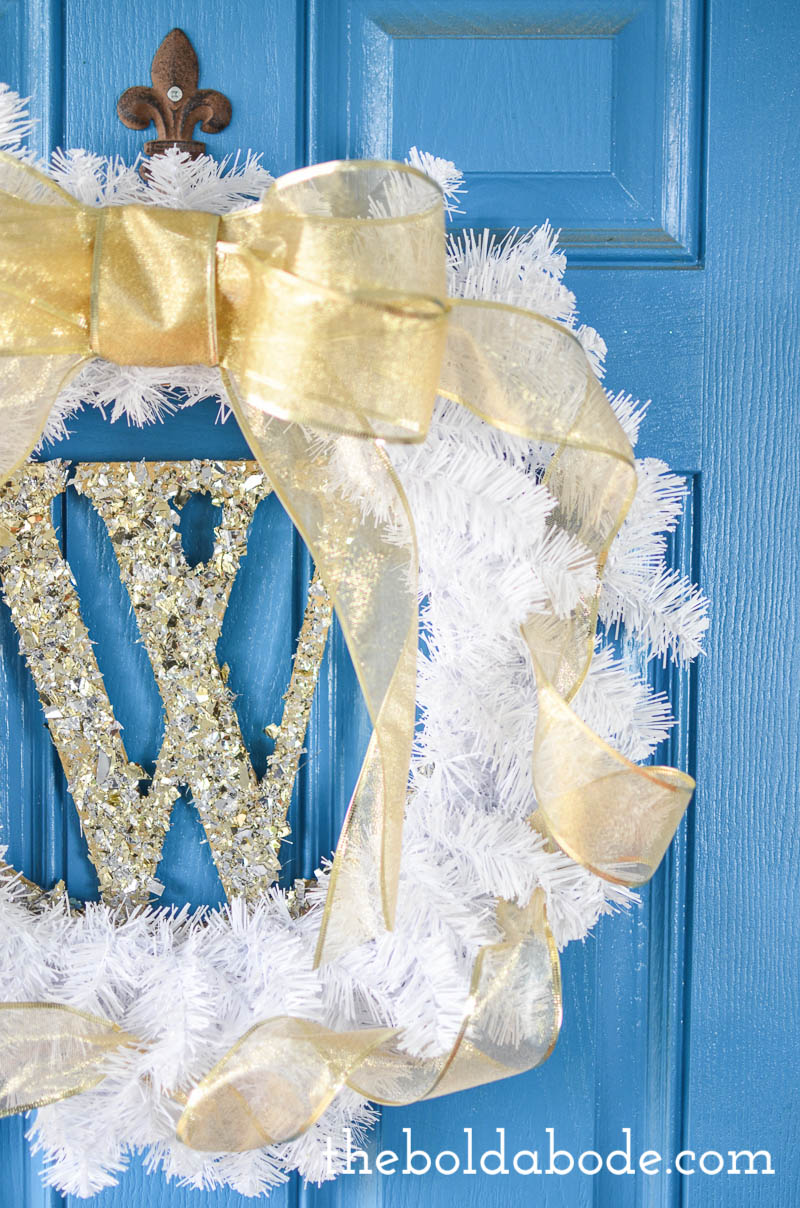 DIY Glittery Monogram White and Gold Wreath: Simple but WOW! A beautiful wreath to help celebrate Christmas!
