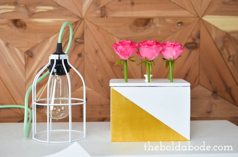Geometric Metallic Gold Flower Box - make your own little flower box with a reclaimed recipe box and some silk flowers. What a pretty pop of color to brighten up your home for spring!