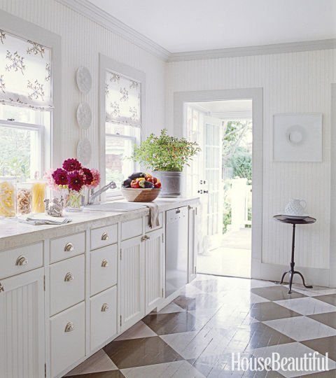 10 Beautiful White Beach House Kitchens: 10 Beautifully Bold White Kitchens