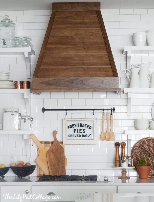 White kitchens DO NOT have to be boring. They can be bold and here are 10 of my favorites and what I adore about them.