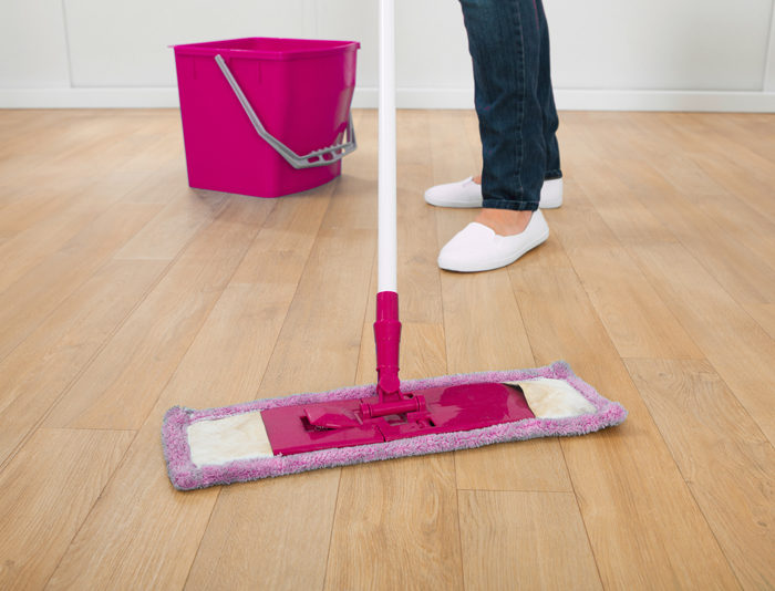 The quick and easy way to clean wood floors in the kitchen | self cleaning home | cleaning tips and tricks