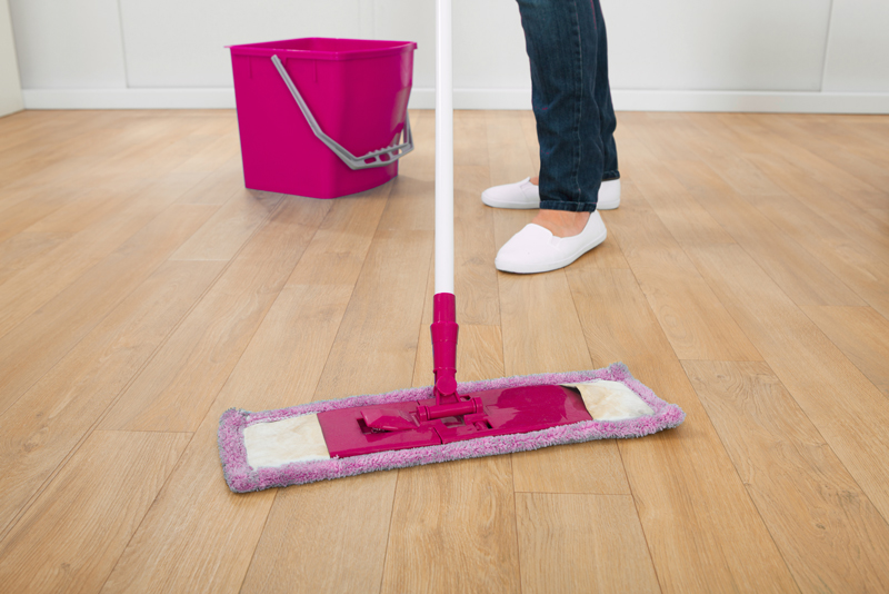 The Quick And Easy Way To Clean Wood Floors In The Kitchen The Self