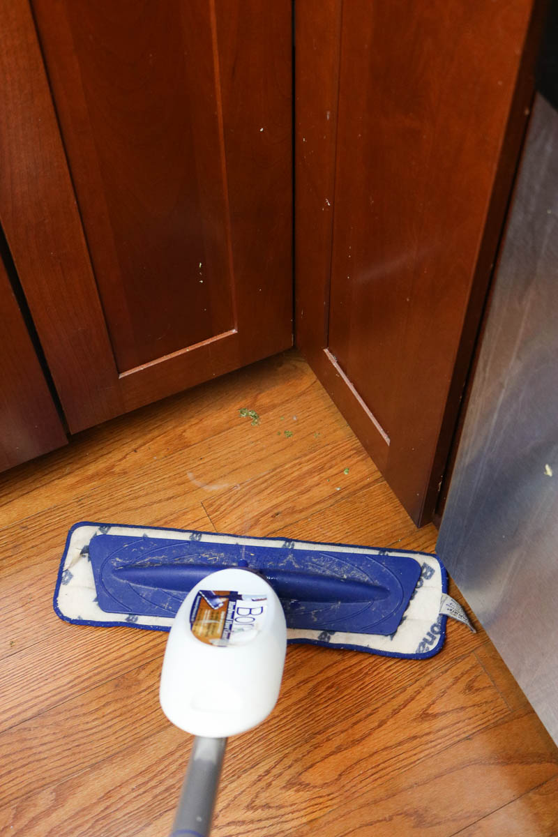 The quick and easy way to clean wood floors in the kitchen   cleaning   cleaning tips   wood floors   mopping