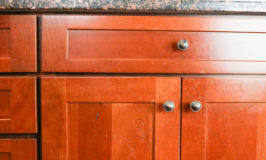 How to clean your kitchen cabinets so they SHINE! Cleaning | Cleaning Tips | Home Keeping Tips | Kitchen Cleaning Tips | Cleaning Hacks | Kitchen Cabinets | Clean Kitchen Cabinets | Oil Soap