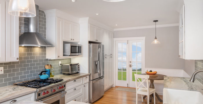 """5 Tips for living in a """"Staged"""" home ( and keeping it looking staged)"""