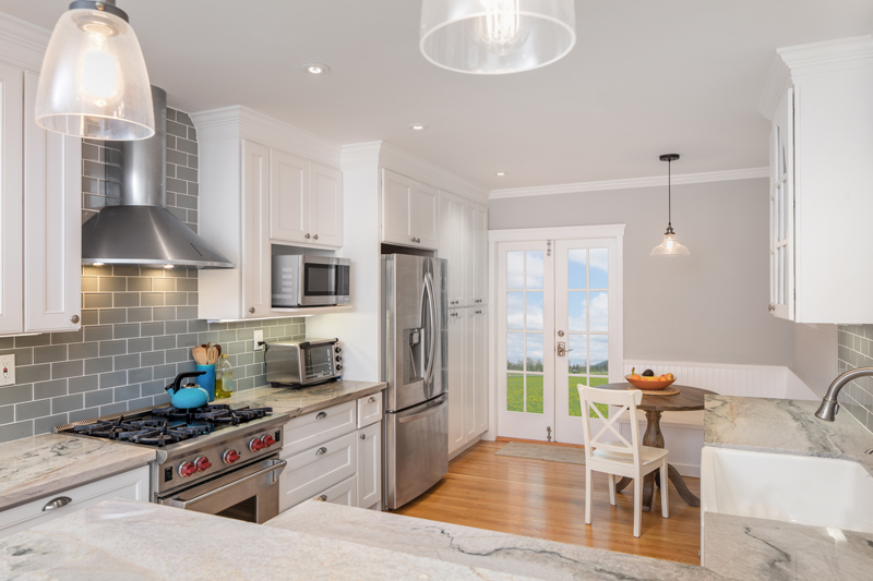 """5 tips for living in a """"staged home"""" (How to keep it looking clean!)"""