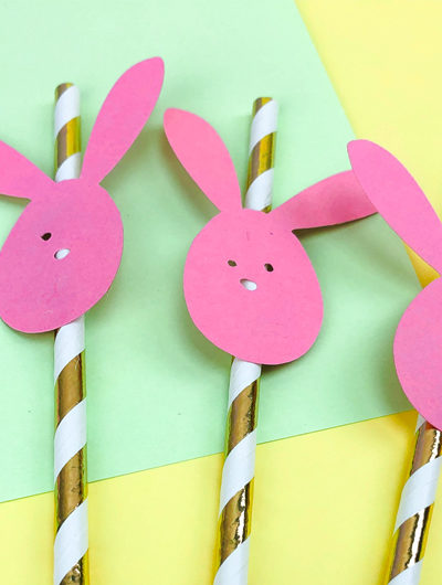 gold and white straws with pink bunnies