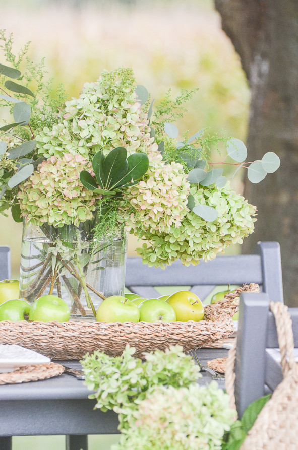 FALL HYDRANGEA AND GREEN APPLE TABLE - StoneGable