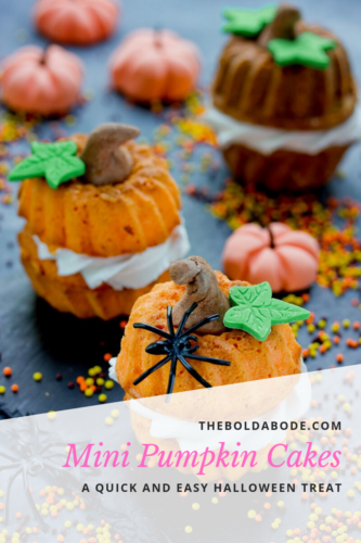 mini pumpkin cake for halloween